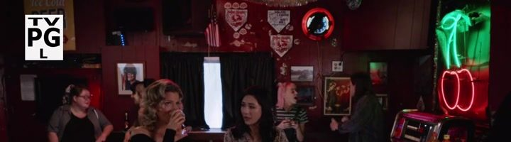 "Huangovi v Americe / Fresh Off the Boat S04E06 ""A League of Her Own"""