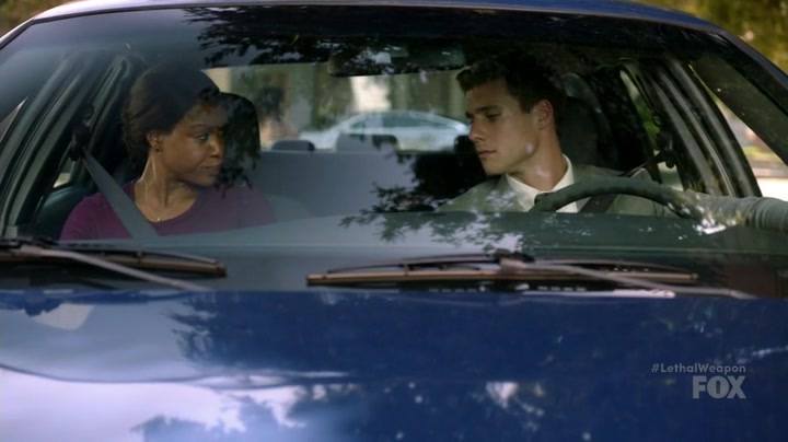 """Lethal Weapon S02E07 """"Birdwatching"""""""
