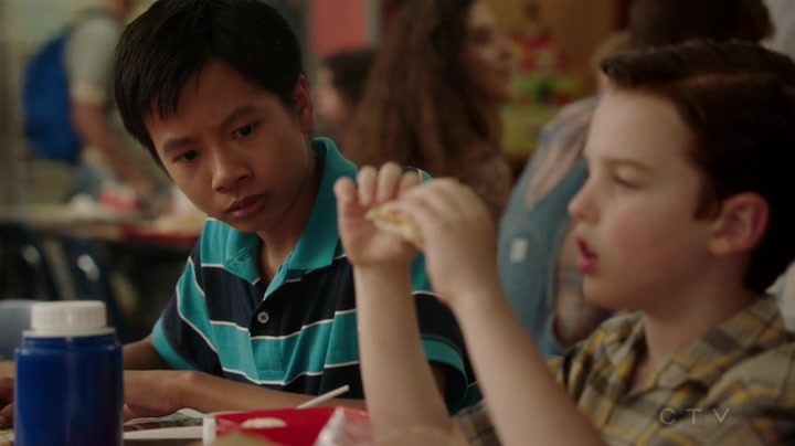 """Young Sheldon S01E04 """"A Therapist, a Comic Book, and a Breakfast Sausage"""""""