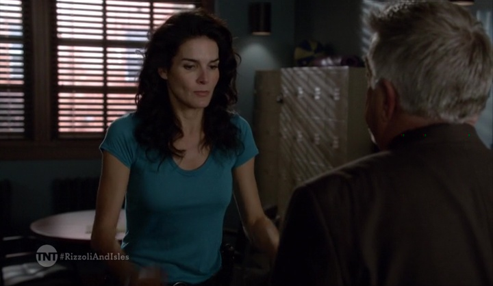 rizzoli.and.isles.701