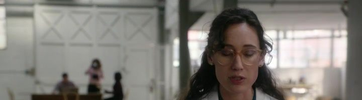 """Jak prosté / Elementary S06E17 """"The Worms Crawl In, the Worms Crawl Out"""""""